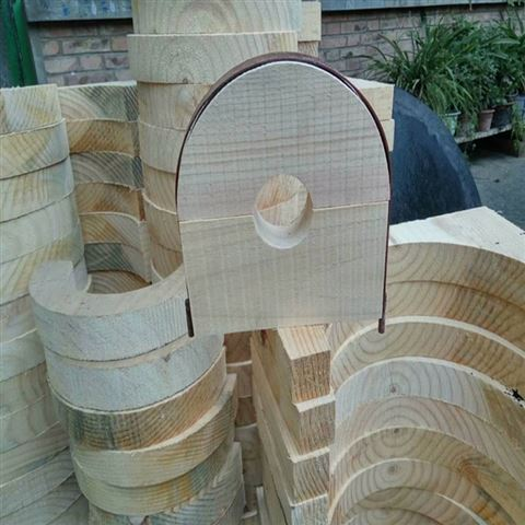 专业生产批发高性能杨木水管木支座
