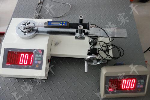 觸屏定扭扳手測試設備圖片